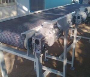 Băng tải lưới inox-khung thép