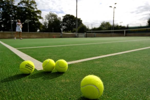Cỏ nhân tạo sân tenis