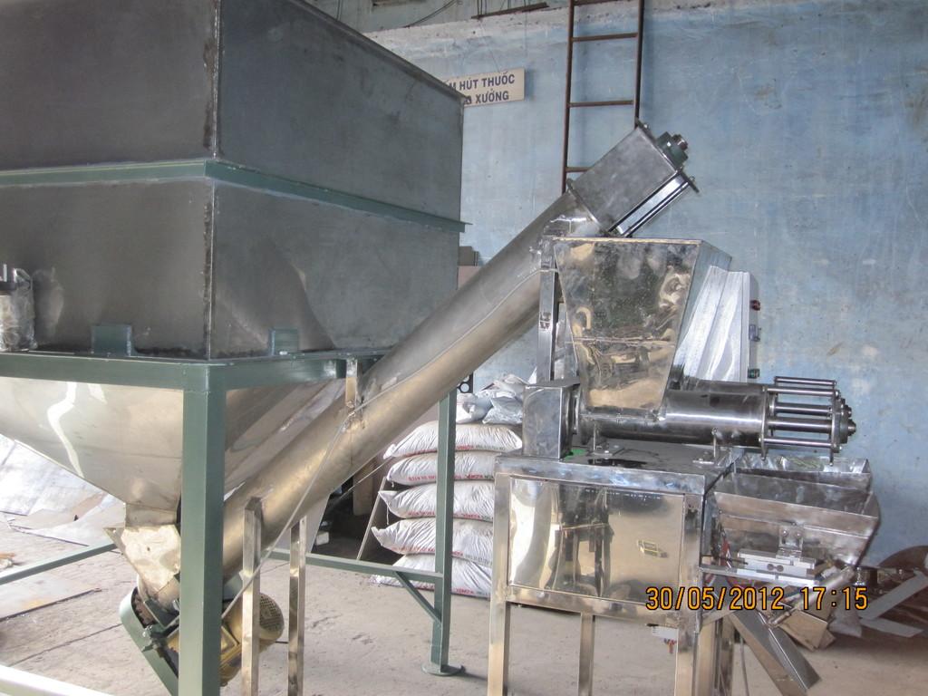 Máy định lượng đường 10-25kg bằng Loadcells