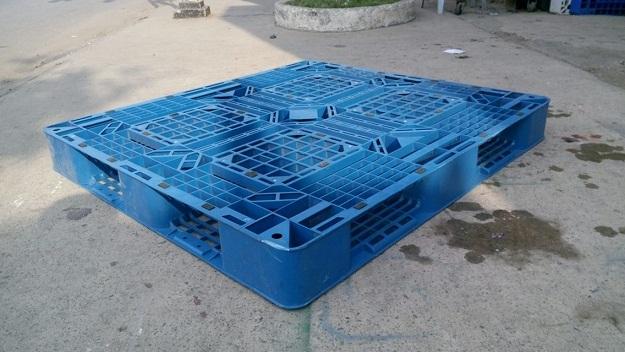 Pallet nhựa 110x110x12