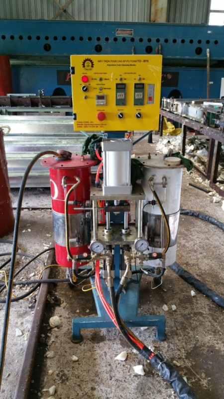 Máy trộn phun cao áp PU Foam TCI - 2016
