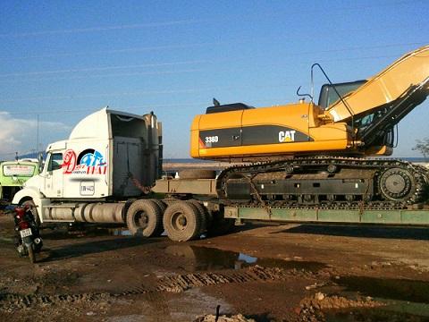 Vận chuyển xe phục vụ công trình xây dựng