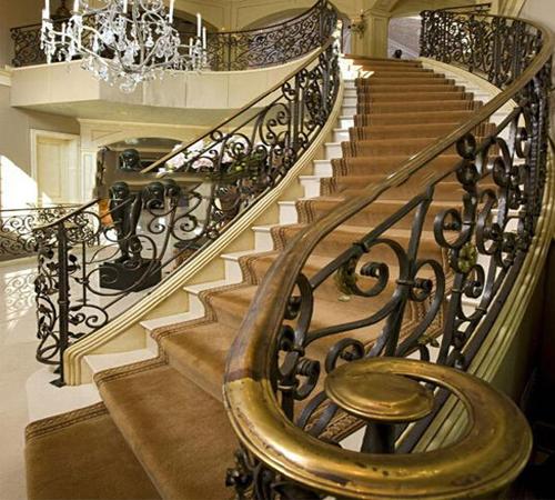 Cầu thang nhôm đúc cao cấp