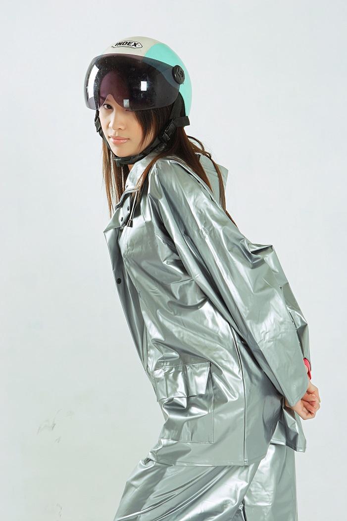Áo mưa bộ 2 lớp nhựa