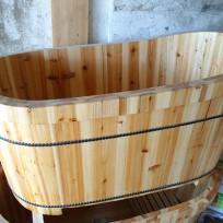Bồn tắm gỗ bách