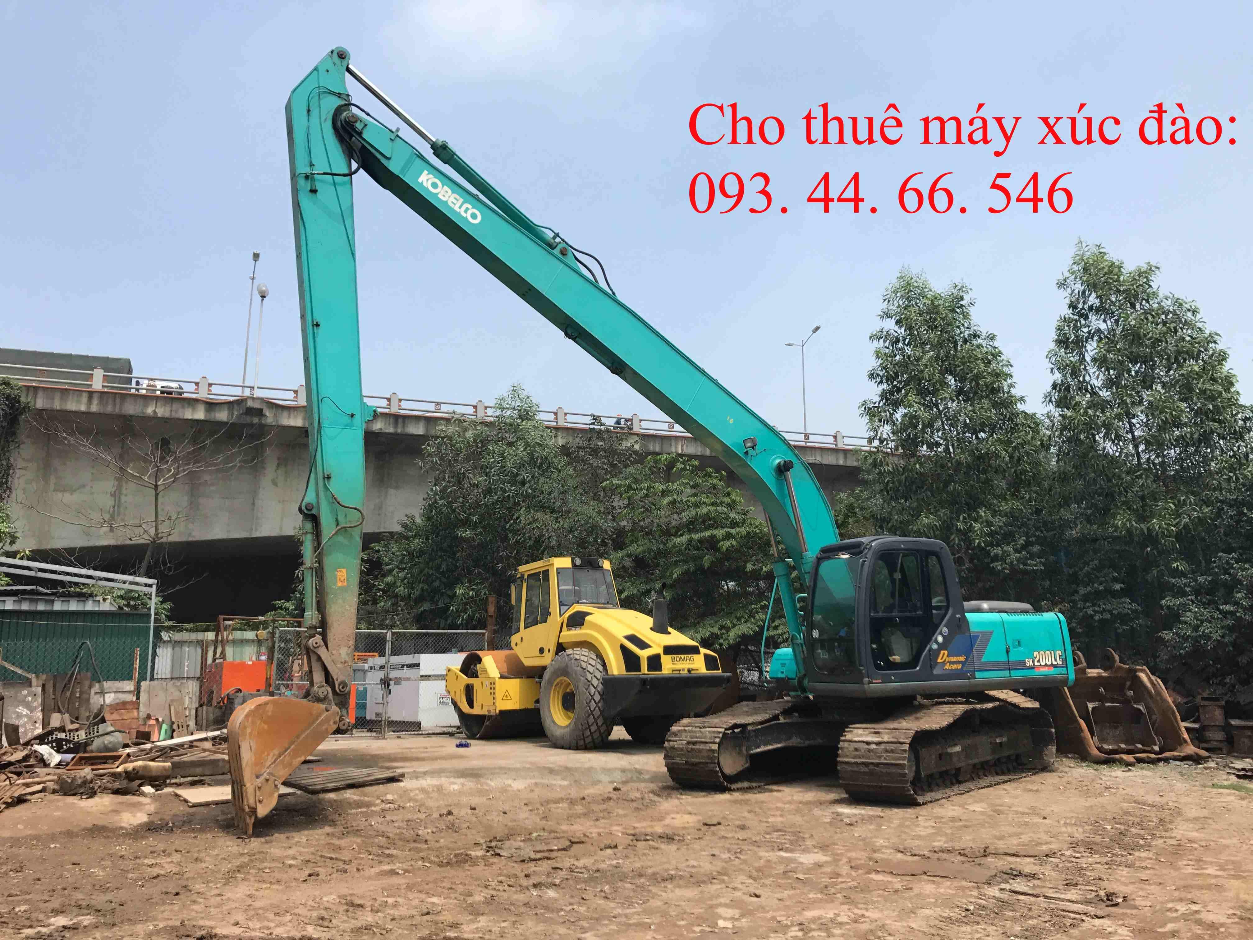 Cho thuê máy xúc đào cần dài Kobelco