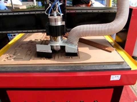 Cắt khắc gỗ