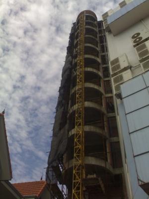 Trung tâm thương mại và văn phòng 12 tầng
