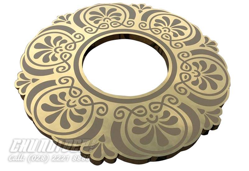 Logo inox vàng ăn mòn