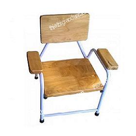 Ghế gỗ có tay vịn