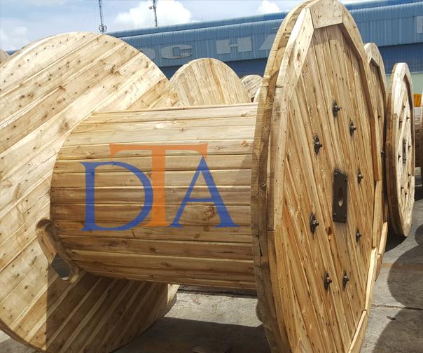 Bobin gỗ cuộn cáp quang