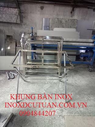KHUNG BÀN CHÂN GẬP INOX