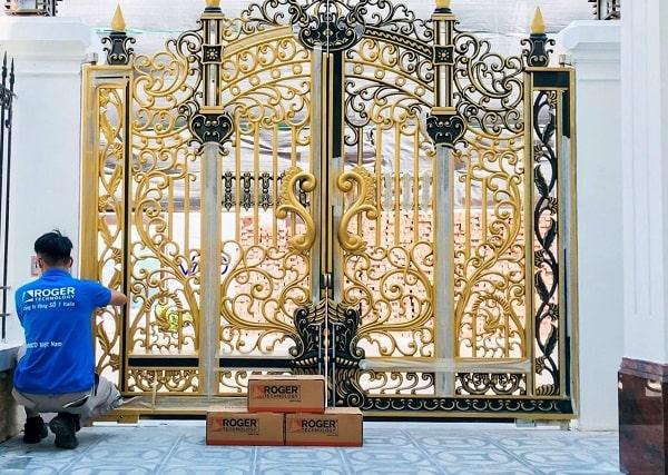 Cửa cổng tự động Italia