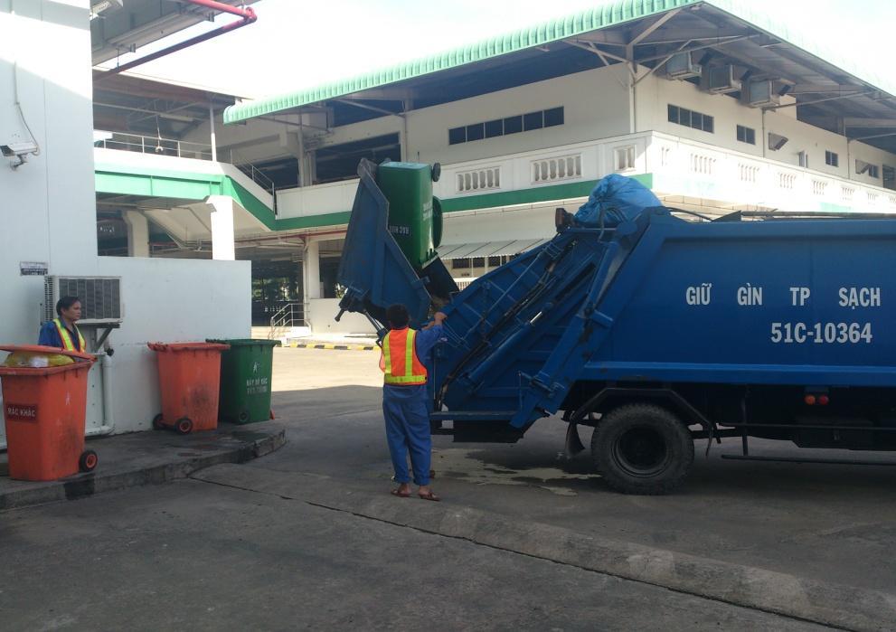 Thu gom rác thải không nguy hại