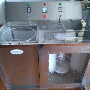 Máy rửa bình nước tinh khiết 20Lít