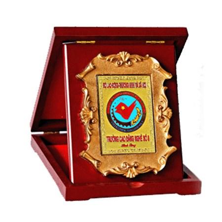 Kỷ niệm chương