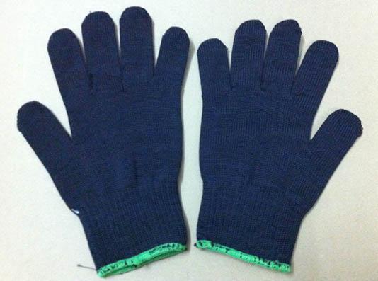 Găng tay Poly