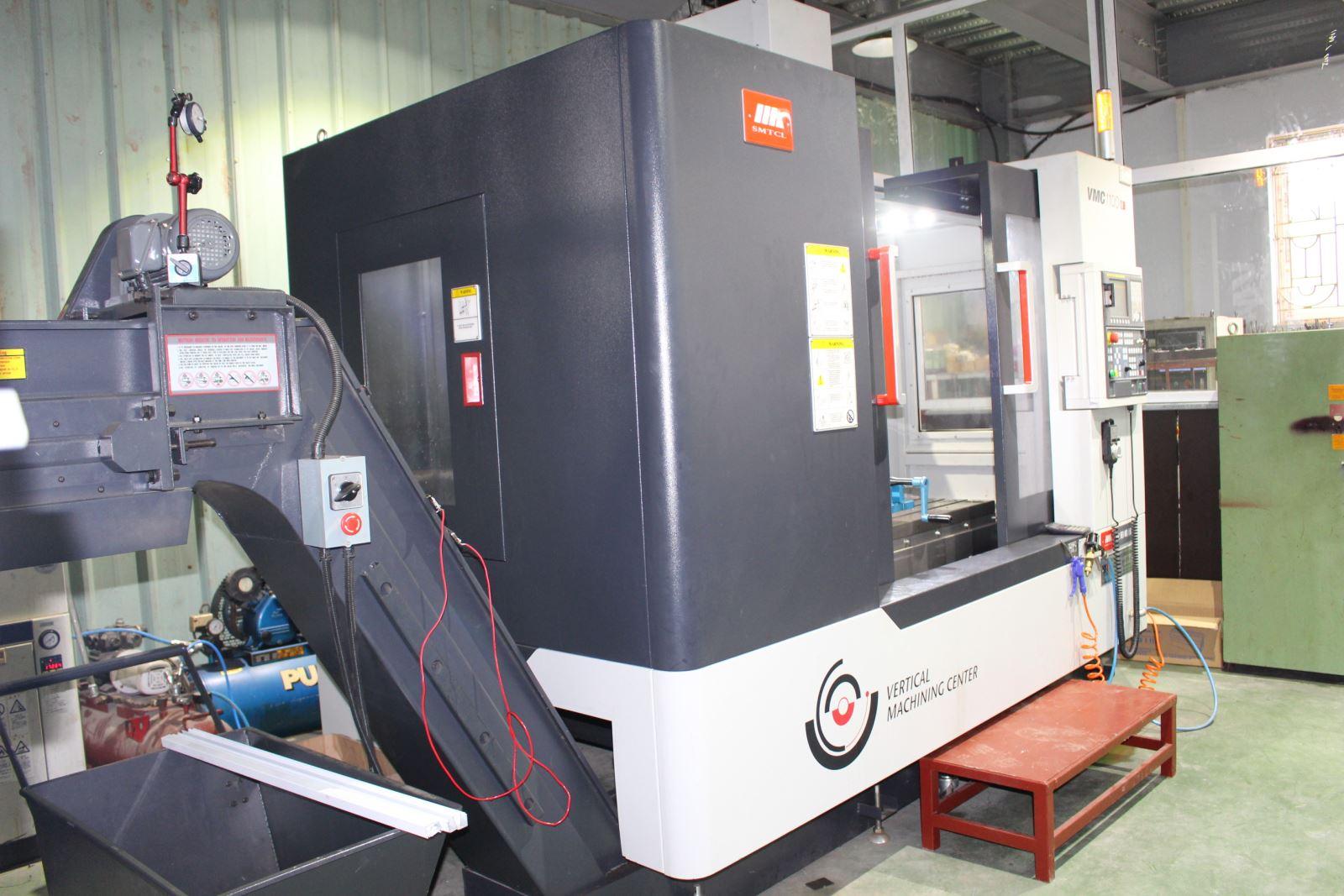 Máy gia công trung tâm CNC 3 trục