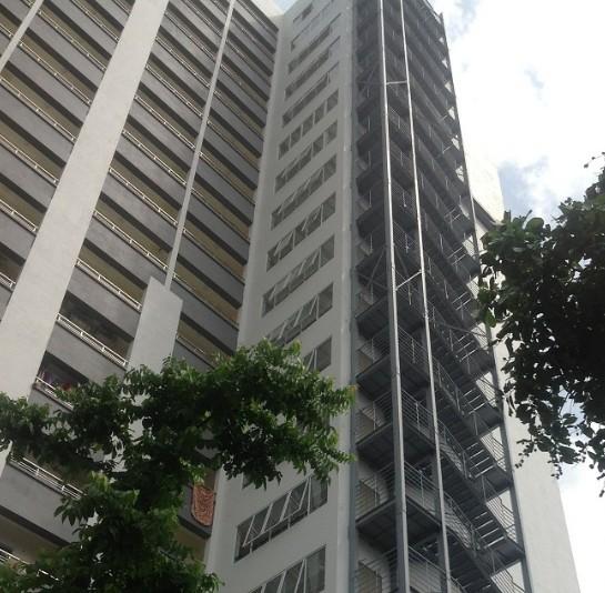 Cầu thang thép - Tòa nhà 187 Sơn Tây