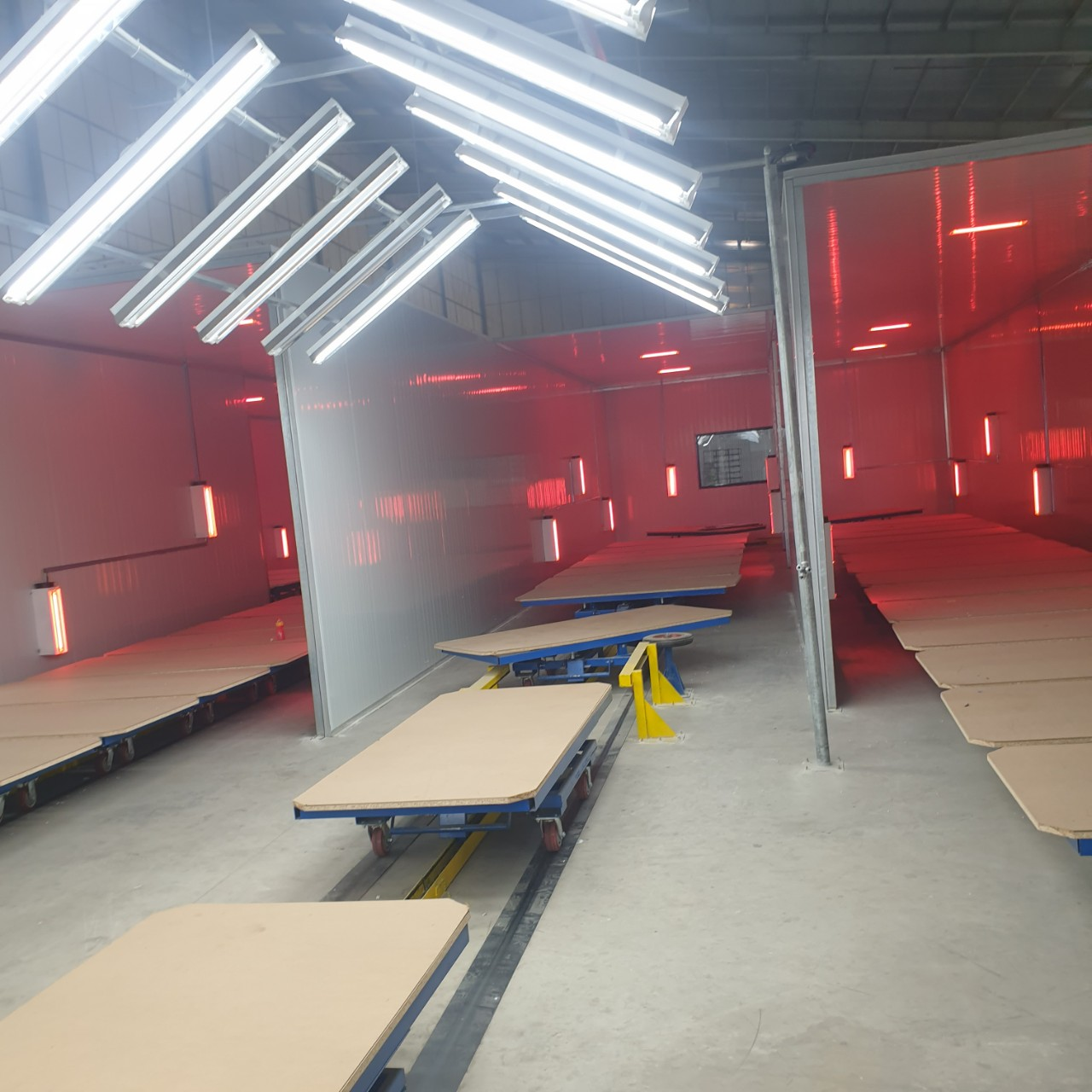 Chế tạo và lắp đặt dây chuyền sơn nội thất