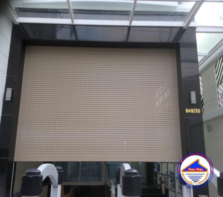 Cửa Cuốn nhôm XT4003