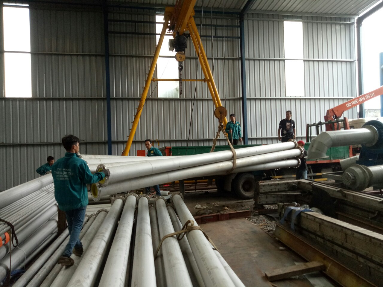 Chế tạo  đường ống thép  không gỉ 304