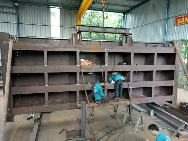 Chế tạo kết cấu thép