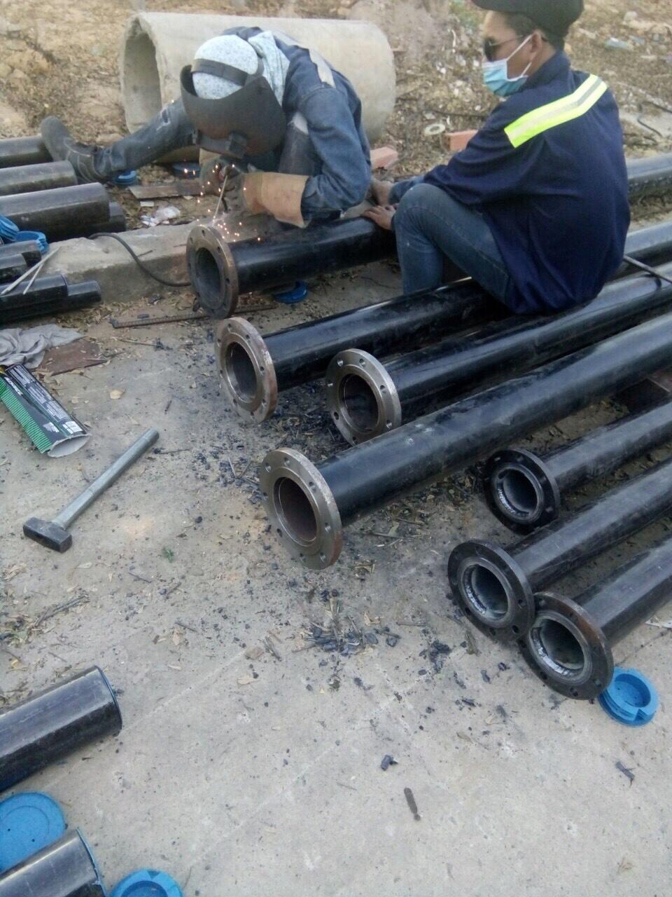 Lắp ống dầu
