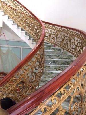 Cầu thang nhôm đúc 023