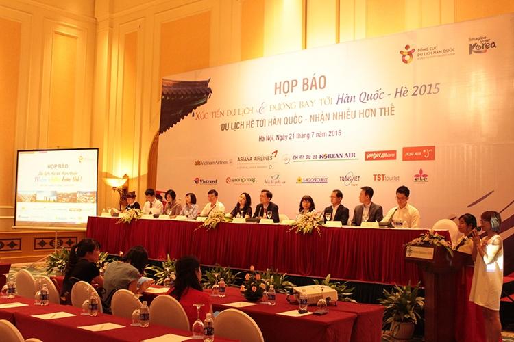 Tổ chức sự kiện họp báo