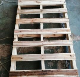 Pallet gỗ 2 hướng nâng 1370x830x140
