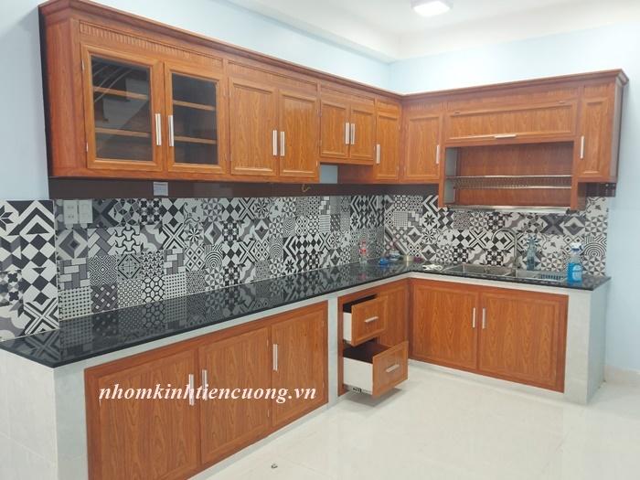 Tủ bếp nhôm kính đài loan