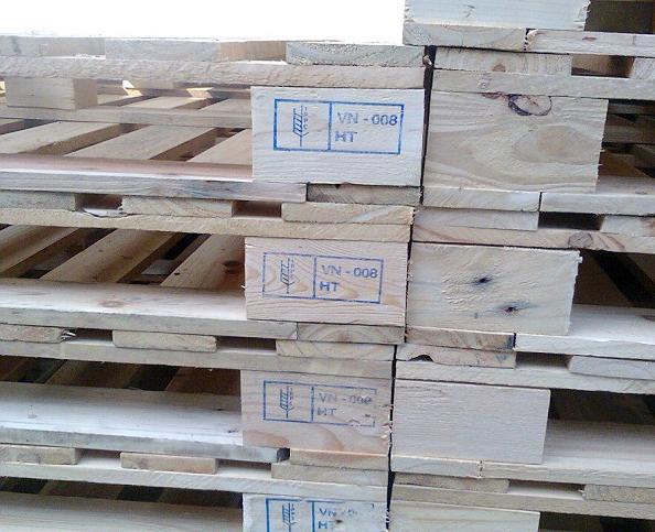 Pallet gỗ  4chiều nâng