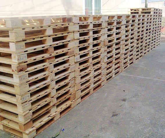 Pallet gỗ 2 chiều nâng