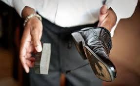 Đánh đế giày