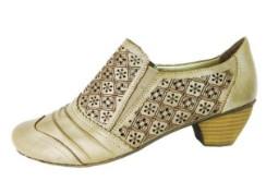 Cắt Laser trên giày dép