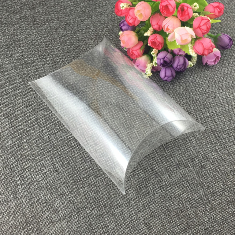 Hộp nhựa trong suốt hình gối