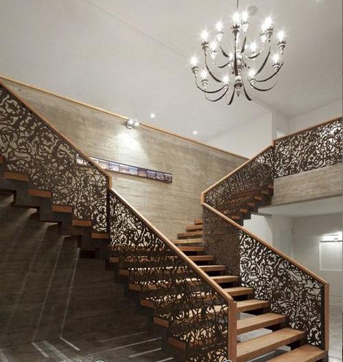 Cầu thang CNC