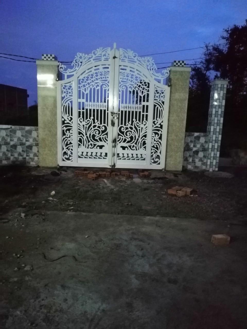 Cửa cổng CNC 18