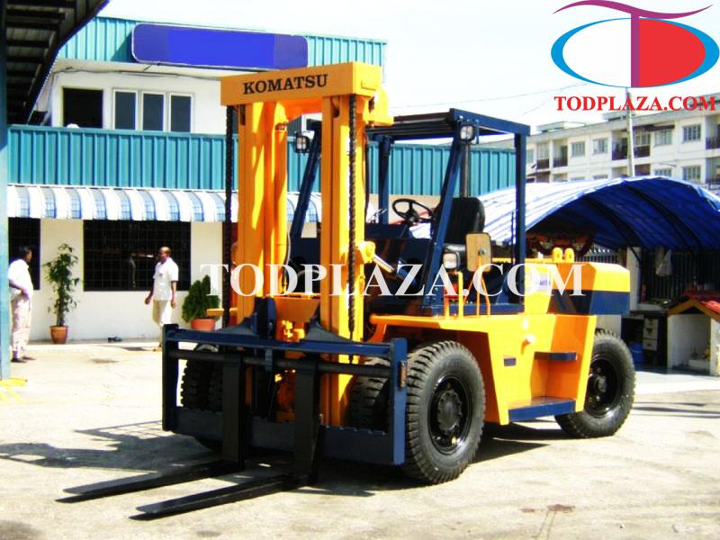 Xe nâng hàng Komatsu 10 tấn