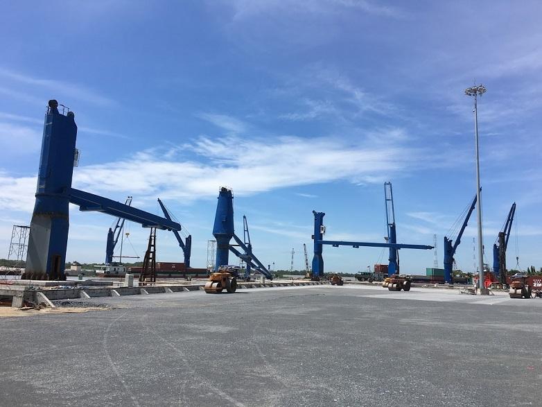Cầu bờ cố định 9 bộ - Cảng Cát Lái
