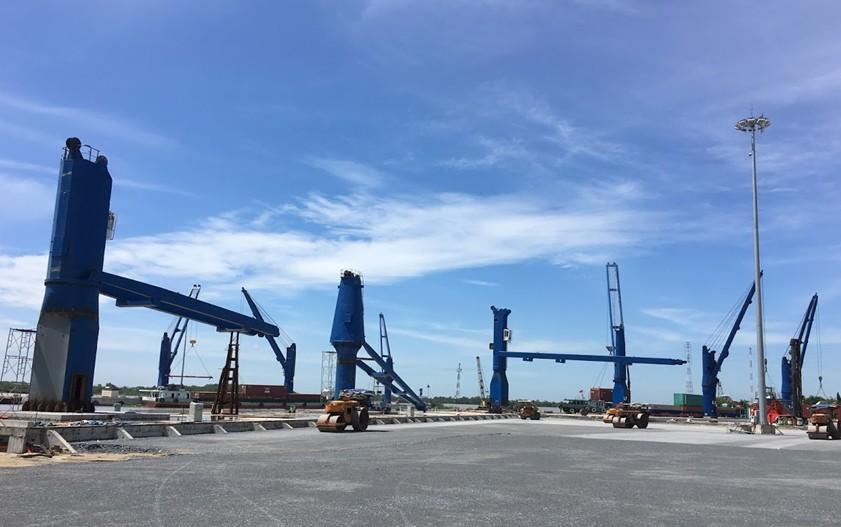 Cầu bờ cố định - Cảng Cát Lái