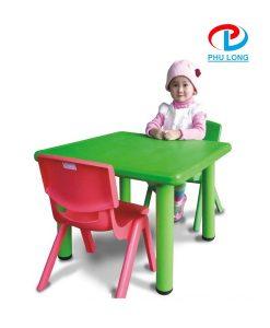 Bộ bàn ghế trẻ em hình vuông