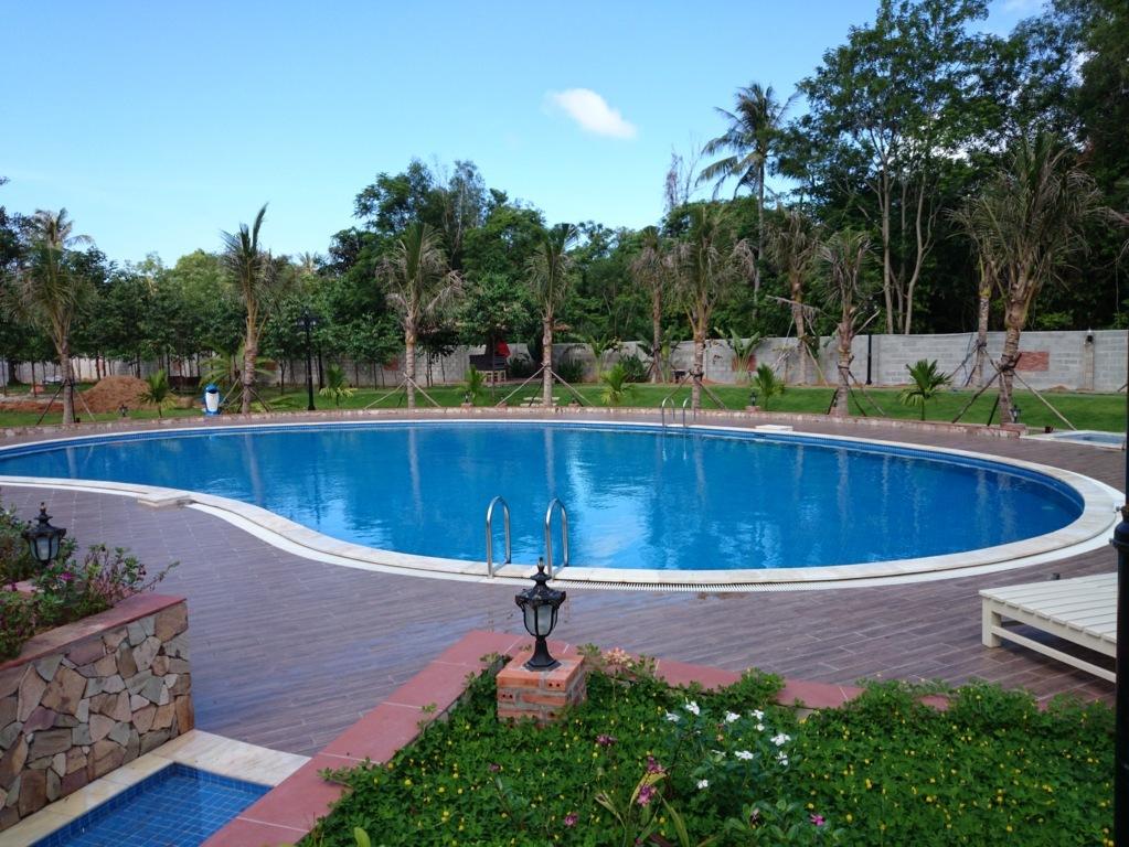 Xây dựng hồ bơi resort