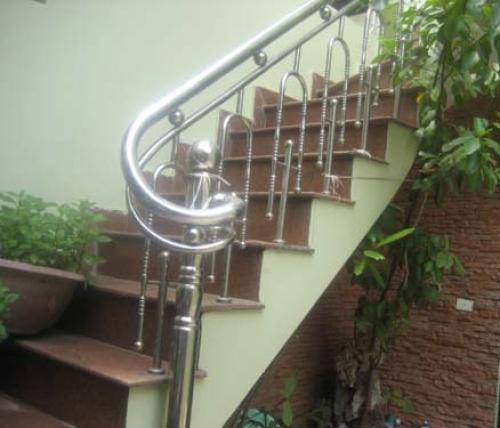 Cầu thang inox MS - 017