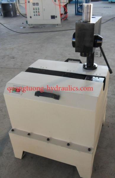 Máy cắt ống thủy lực C51