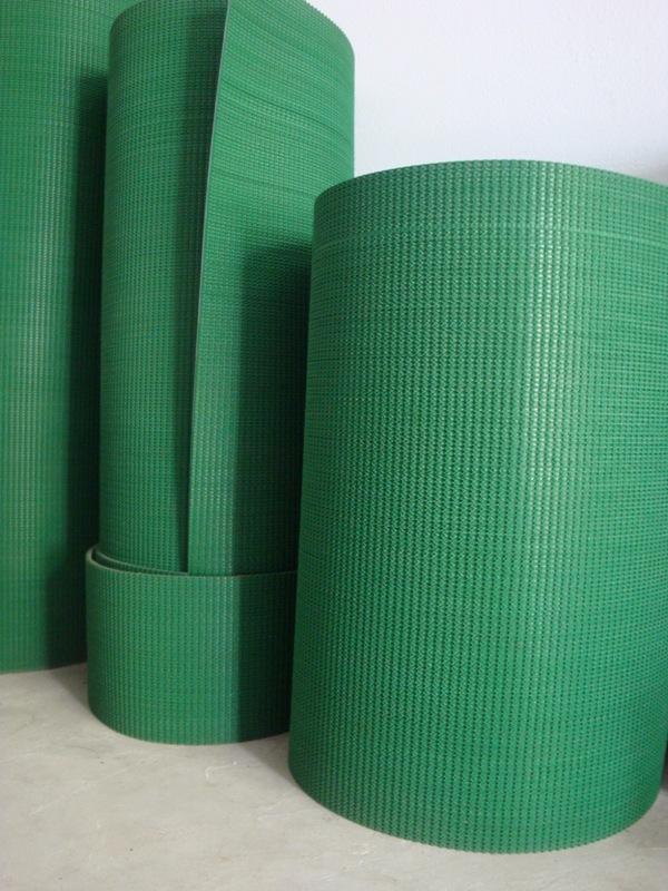 Băng tải PVC gai