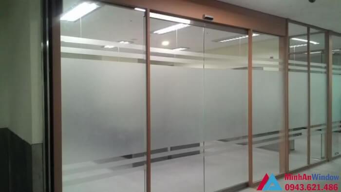 Cửa trượt tự động 2 cánh nhật bản