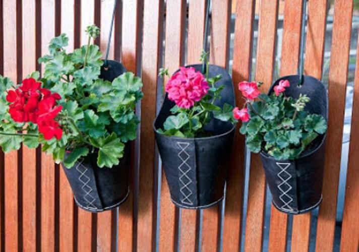 giỏ hoa từ cao su tái chế