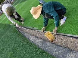 Thi công, bảo dưỡng sân cỏ nhân tạo